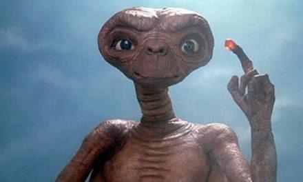 E.T y su Golden Globe ya son chavorrucos!!