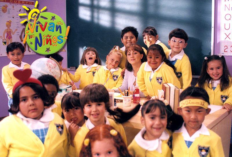 ¡Andrea Legarreta se reúne con el elenco de «¡Vivan Los Niños!»