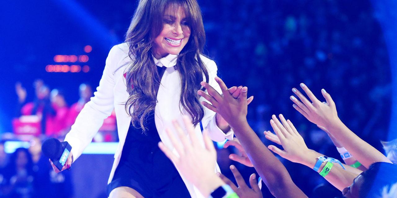 Paula Abdul impacta con su clásico «Straight Up» en show de James Corden